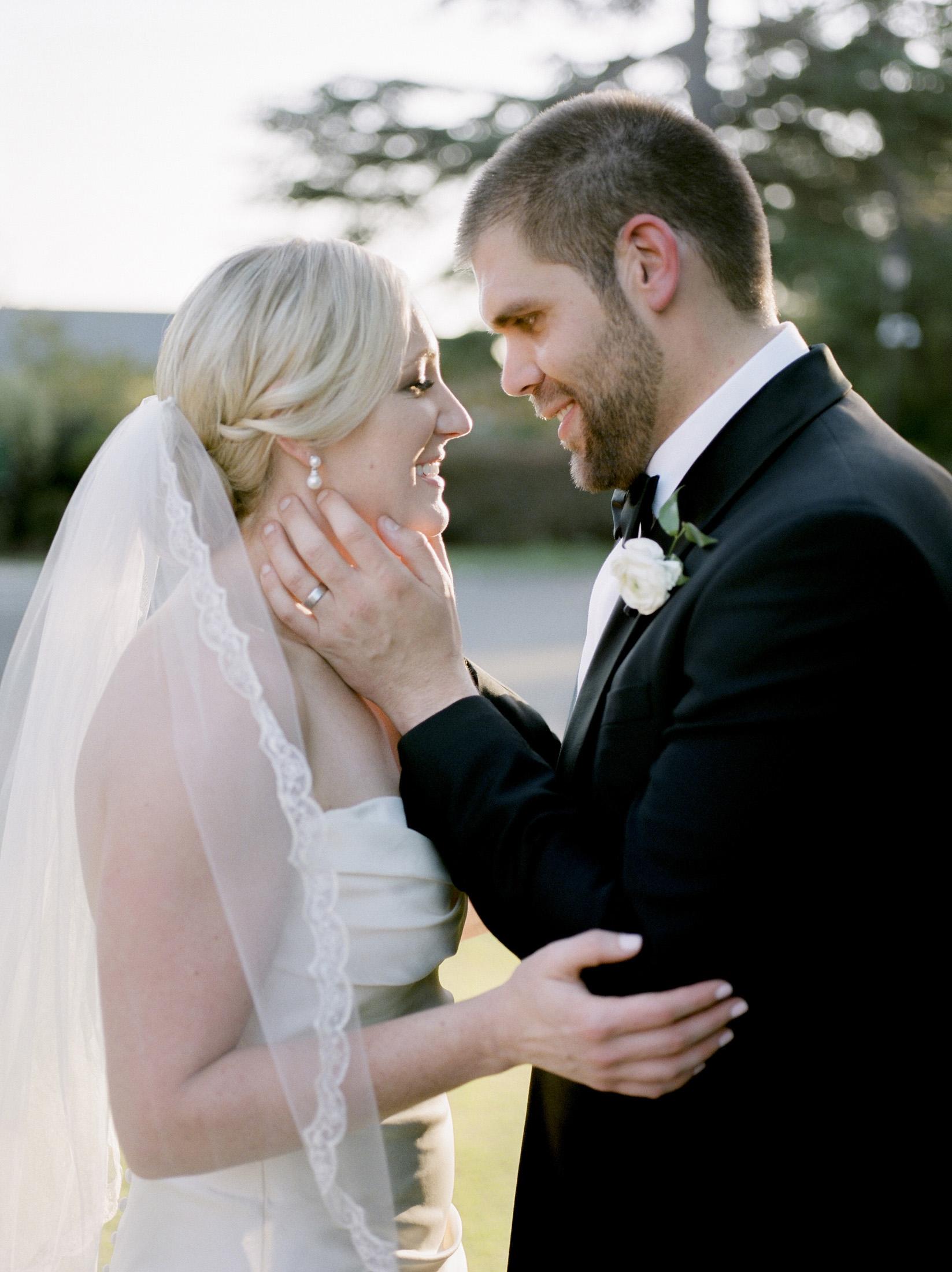 Romantin wedding photographer in san francisco